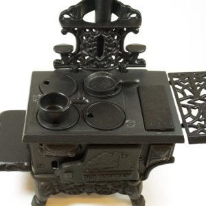 CAST IRON MINI WOOD STOVE SET